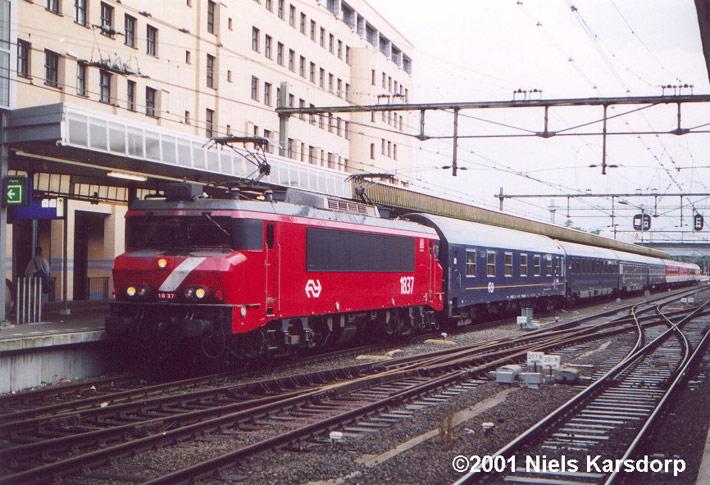 NS Reizigers 1837, 2001 Amersfoort - Foto - Railorama.dk